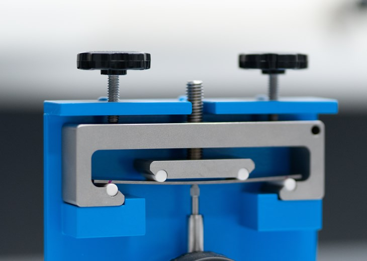 Four-point bend test - Loading Fixture Detail